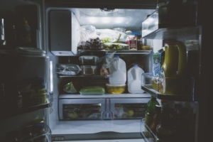 Kühlschrank Ins Auto Legen : Geruch im kühlschrank tipps gegen kühlschrankgeruch